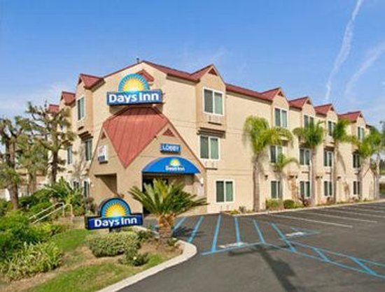 Welcome to the Days Inn Carlsbad