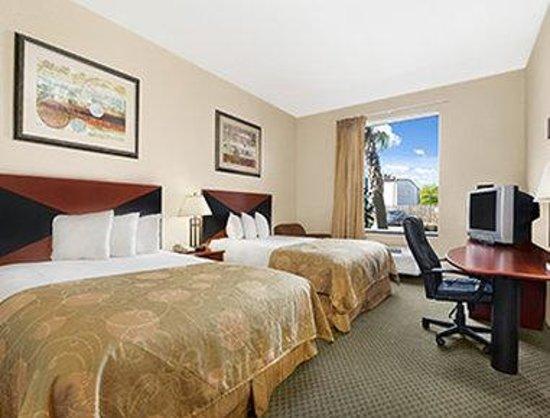 Baymont Inn & Suites Marrero: Standard Two Queen Bed Room