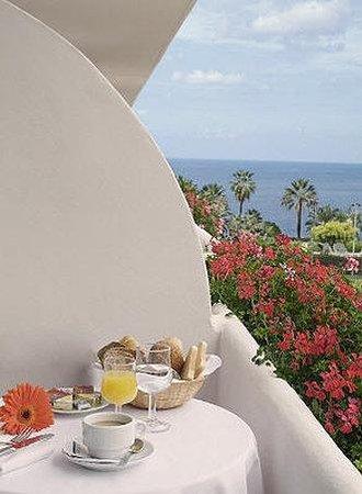 Blue Sea Puerto Resort: Room