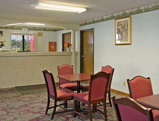 Days Inn Springfield: Lobby
