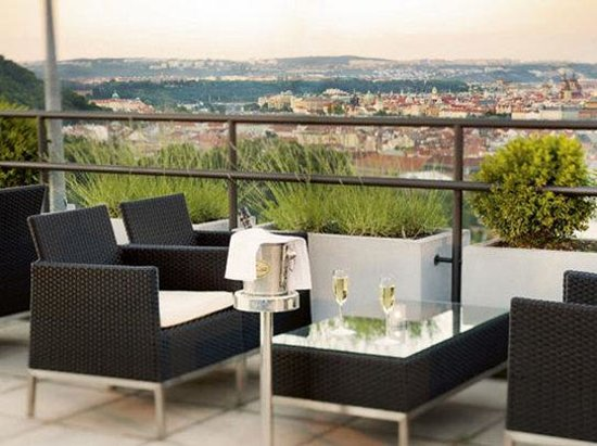 NH Prague City: Terrace