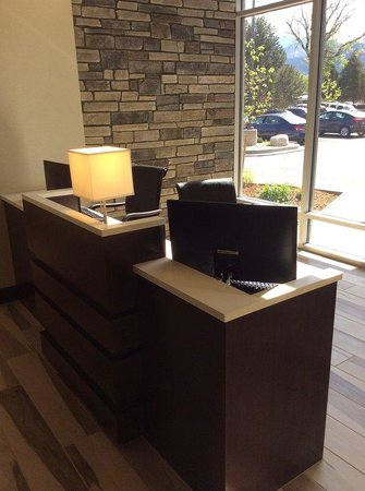 Holiday Inn Express Hotel & Suites Colorado Springs Dwtn Area: Take Advantage of our 24 Hour Business Center.