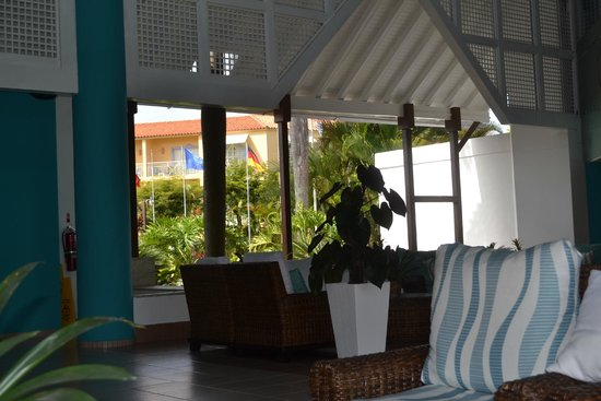 Grand Paradise Playa Dorada: entry