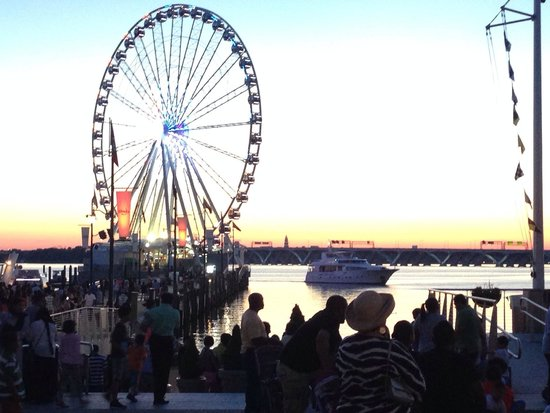 Gaylord National Resort & Convention Center: The National Harbor waterfront has many shops and restaurants.