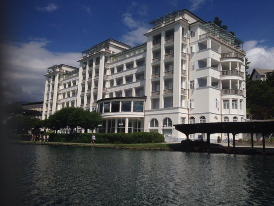 Grand Hotel Toplice: From the lake looking at hotel