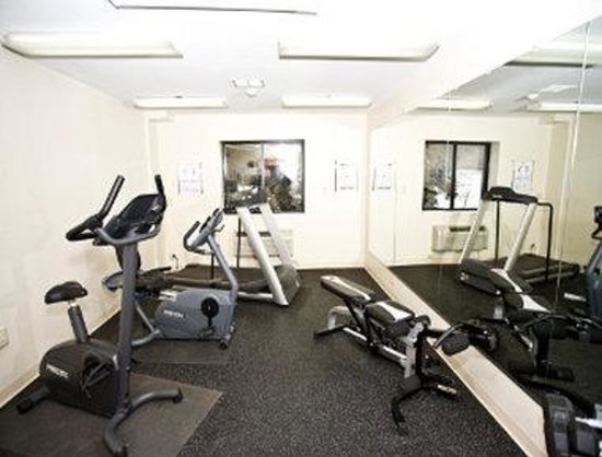 Days Inn Duluth Lakewalk: Fitness Center