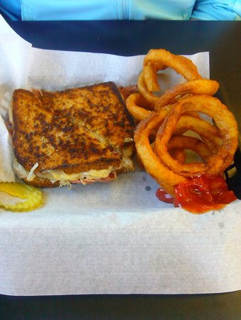 The Diner at Seal Rock: Reuben w/ onion rings