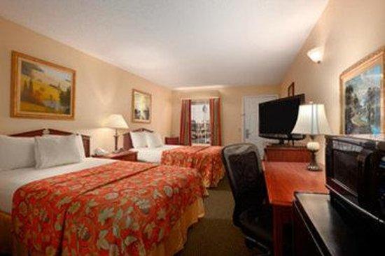 Baymont Inn & Suites Gaffney: Standard Double Room