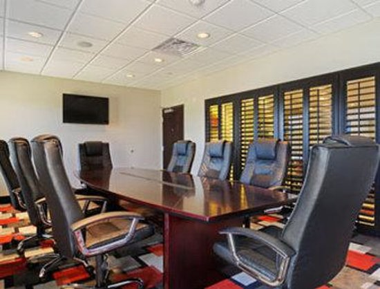Wingate by Wyndham Lake Charles Casino Area: Board Room