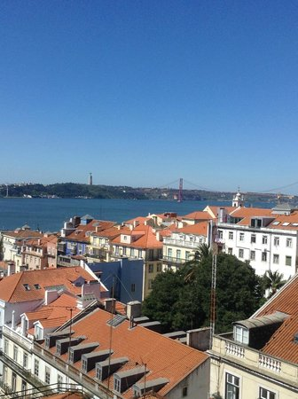 Bairro Alto Hotel : View from rooftop lounge/bar