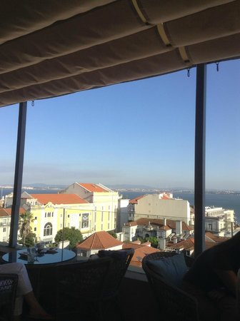 Bairro Alto Hotel: View from rooftop lounge