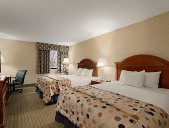 Baymont Inn & Suites Indianapolis West : Standard Double Room