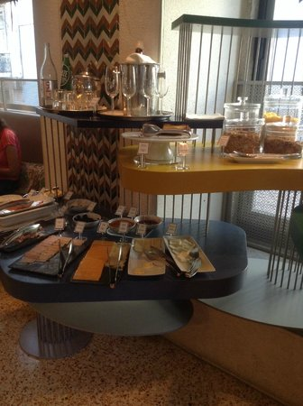 Bairro Alto Hotel: Breakfast - included with room rate