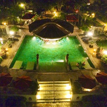 The Royal Corin Thermal Water Spa & Resort : Hot springs at night