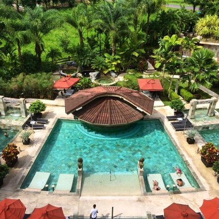 The Royal Corin Thermal Water Spa & Resort : Pool Bar