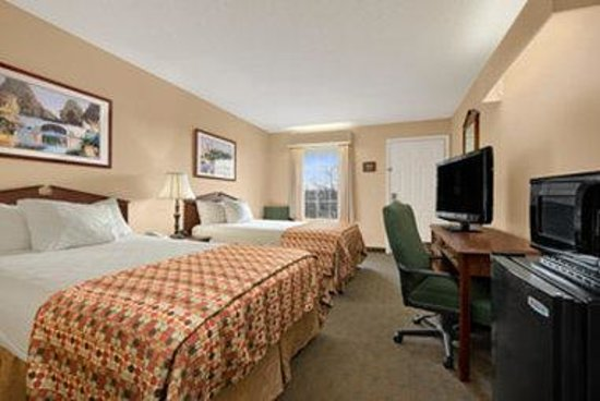 Baymont Inn & Suites Florence/Muscle Shoals: Standard Double Room