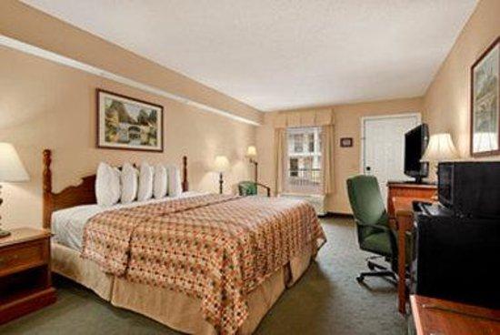 Baymont Inn & Suites Tuscaloosa: Standard King Room