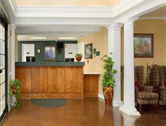 Baymont Inn and Suites Jacksonville/at Butler Blvd.: Lobby