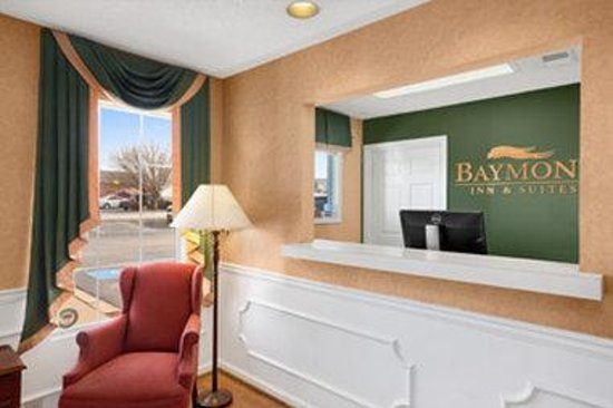 Baymont Inn & Suites Easley/Greenville: Front Desk