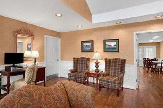 Baymont Inn & Suites Easley/Greenville : Lobby details