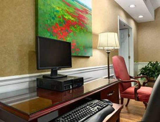 Baymont Inn & Suites Valdosta at Valdosta Mall: Business Center