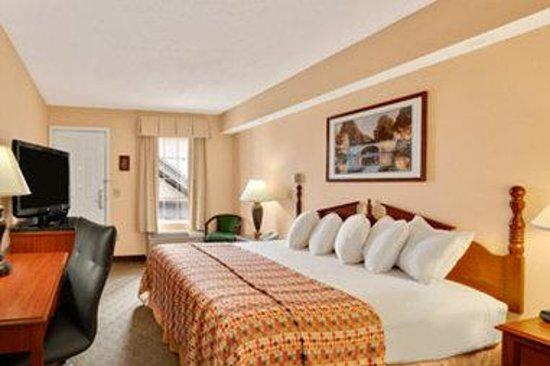 Baymont Inn & Suites Easley/Greenville : Standard king Room