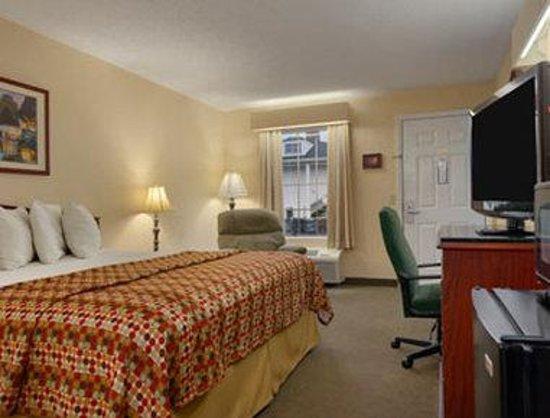 Baymont Inn & Suites Valdosta at Valdosta Mall : Standard King Room