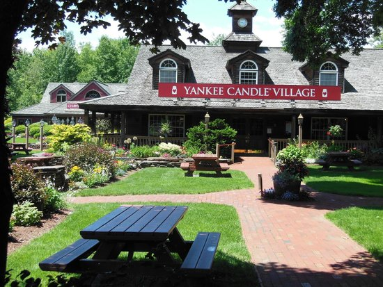 Yankee Candle Flagship Store: Yankee Candle