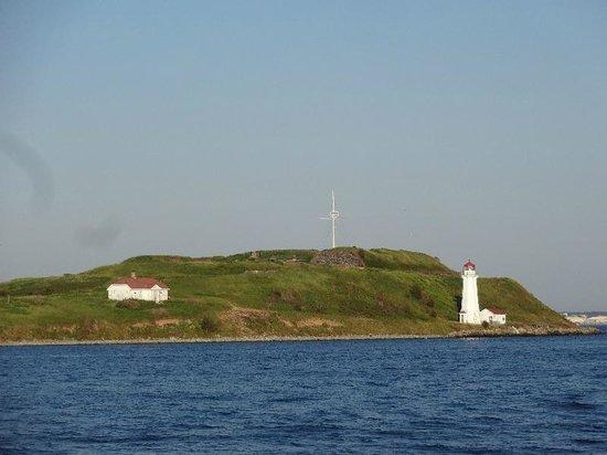 Halifax Waterfront Boardwalk: Halifax Lighthouse01