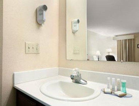 Photo of Baymont Inn & Suites Grenada