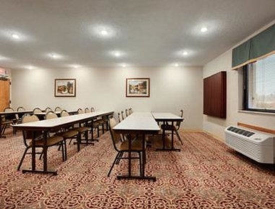 Baymont Inn & Suites Louisville Airport South: Meeting Room