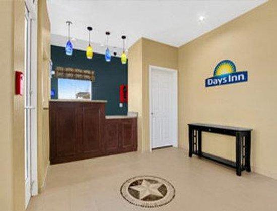 Days Inn Kilgore: Lobby