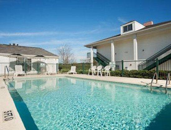 Photo of Baymont Inn & Suites Meridian