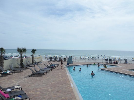 Hyatt Place Daytona Beach - Oceanfront : From the hotel patio