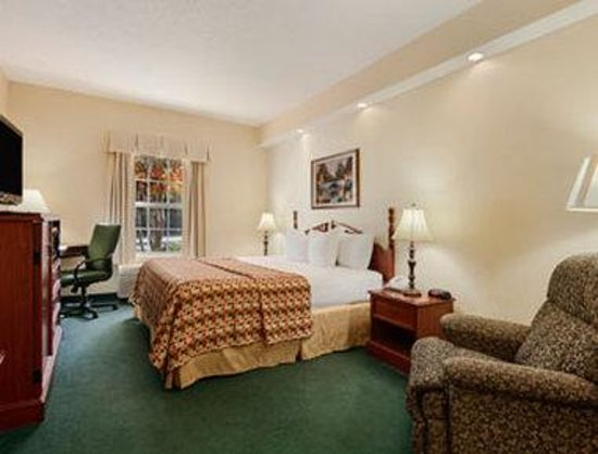 Baymont Inn & Suites Henderson Oxford: Guest Room