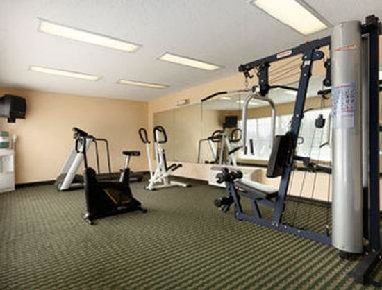 Baymont Inn & Suites Roanoke Rapids: Fitness Center