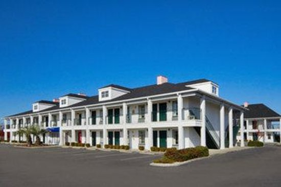Baymont Inn & Suites Georgetown/Near Georgetown Marina: Welcome to the Baymont Inn and Suites Georgetown