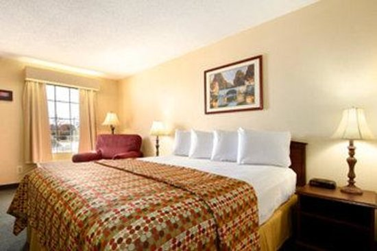 Baymont Inn & Suites Georgetown/Near Georgetown Marina: Standard King Room