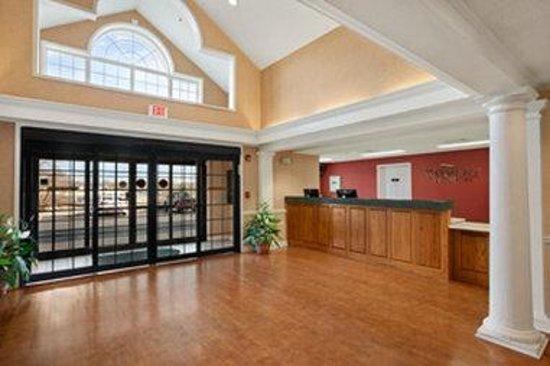 Baymont Inn & Suites Columbia/Maury: Lobby