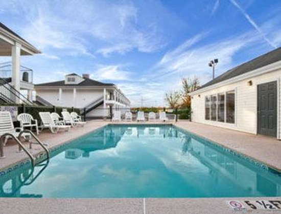 Photo of Baymont Inn & Suites Orangeburg