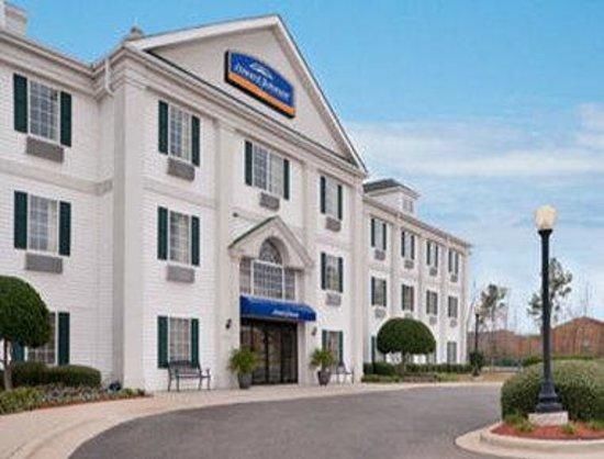 Motel 6 Shreveport: Welcome to the Howard Johnson Shreveport