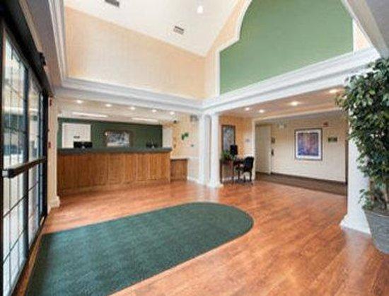 Motel 6 Shreveport: Lobby