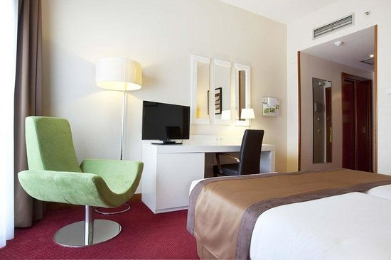 Holiday Inn Madrid - Calle Alcala: Executive Room with 1 Double Bed