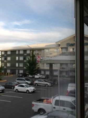 Sandman Hotel & Suites Abbotsford: view of front