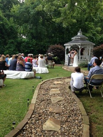 Prospect Place Bed and Breakfast: summer wedding 2014