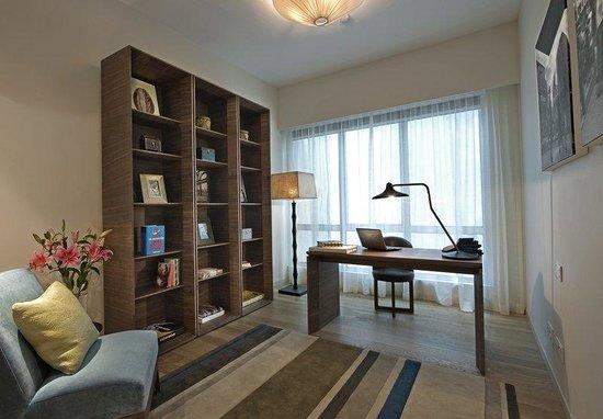 Lanson Place Bukit Ceylon Serviced Residences: Three Bedroom Residensi SStudy Area