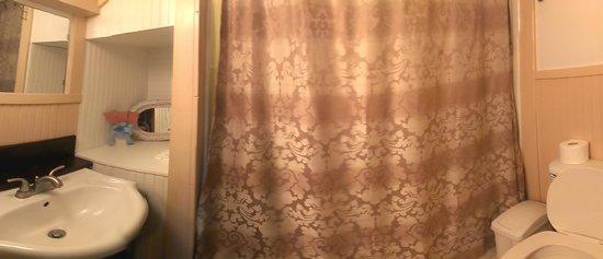 Country Cabins B&B: Bathroom