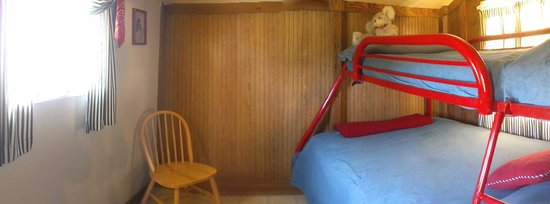Country Cabins B&B: Great room for kids!