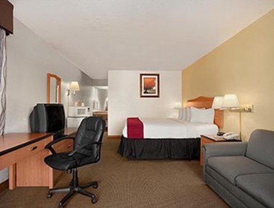 Days Inn Sierra Vista: Standard King Room