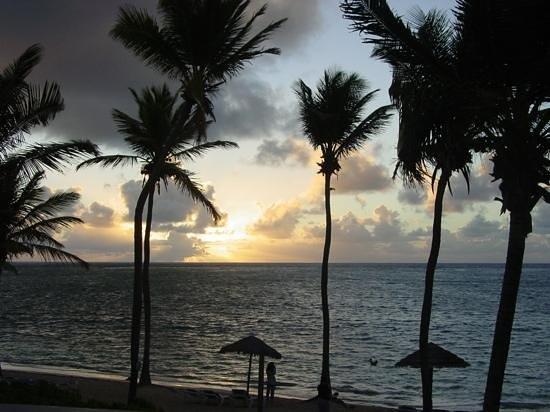 St. James's Club & Villas : Sunrise in paradise